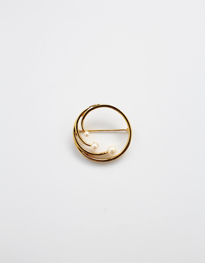 vintage) classic monet circle brooch