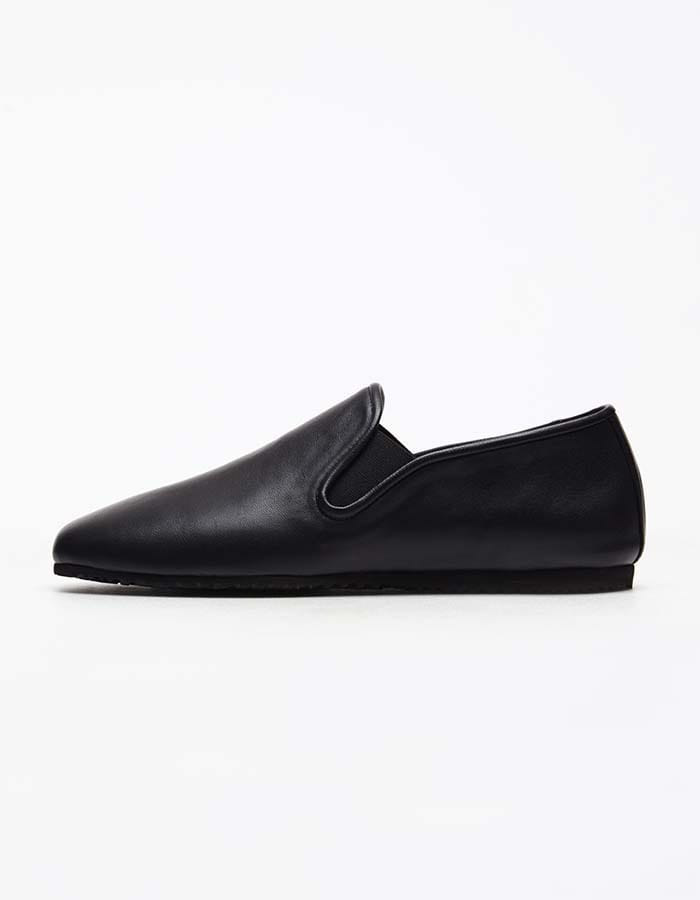 column) black slip-on