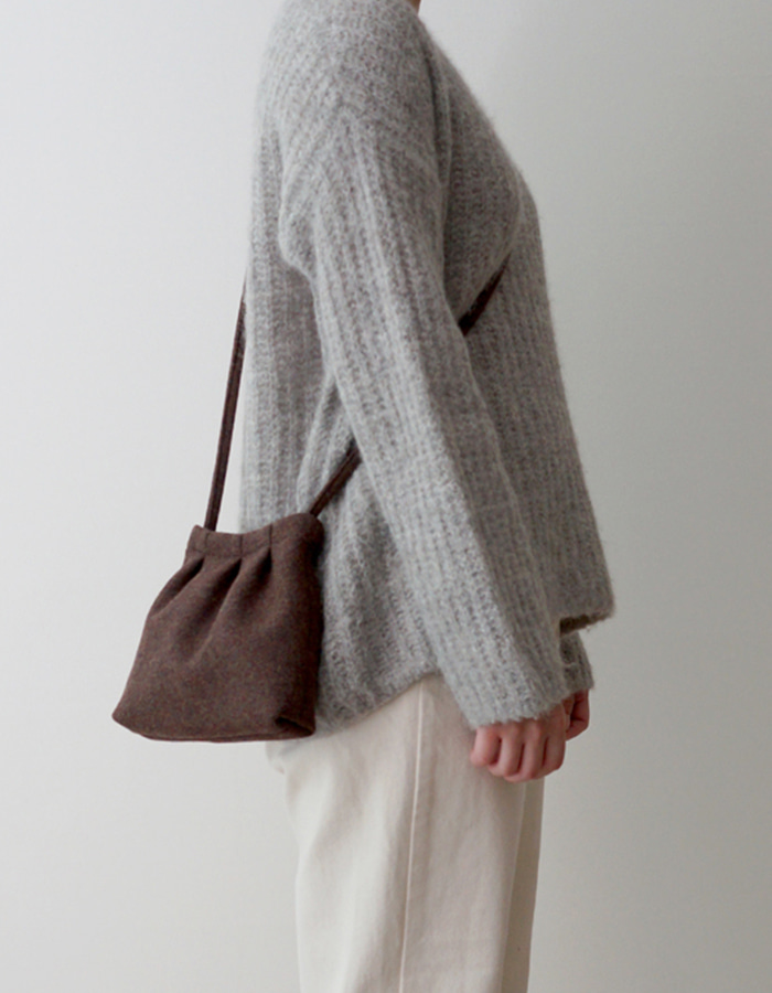 makeforests) brown wool pottery bag