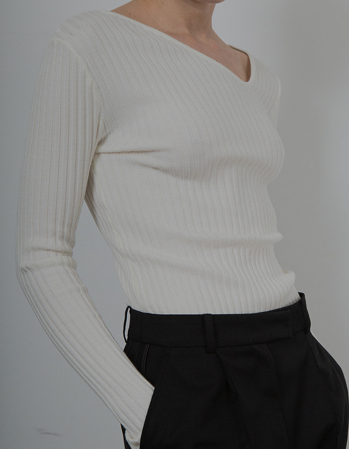 Ma Journee) NECK POINT KNIT_IVORY - 재입고